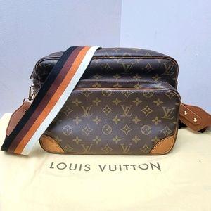 Authentic Louis Vuitton Monogram crossbody